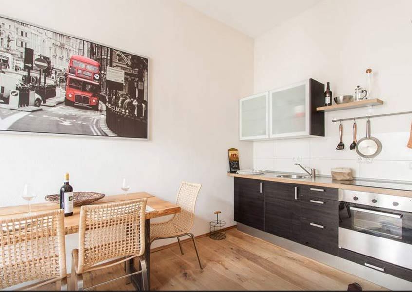 ferienwohnung am kulturspeicher in w rzburg. Black Bedroom Furniture Sets. Home Design Ideas